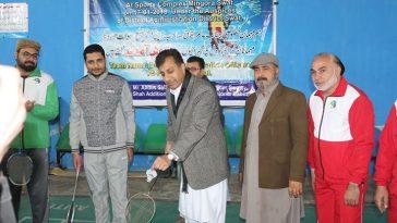 ضلعی انتظامیہ کے افسران اور سوات پریس کلب کے صحافیوں کے درمیان دوستانہ بیڈ مینٹن میچ