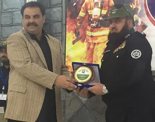 On World Civil Defence Day volunteers and general public in Swat pledging solidarity with Pak Army.