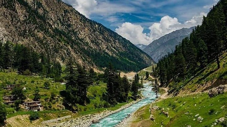 Who is missing these summer vibes? . Towards Mahodand Lake . Photo credits .
