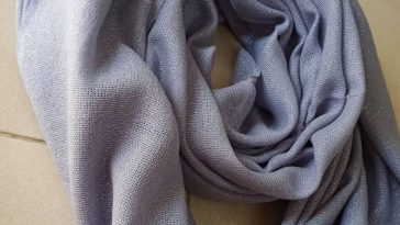 Moonlight shimmery shawl  Shade: Lavender  PROMO Price : 2750rps.   For orders a