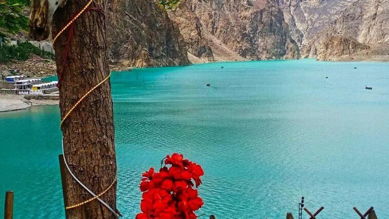Attabad Lake Hunza Pic by waqar Ahmad.